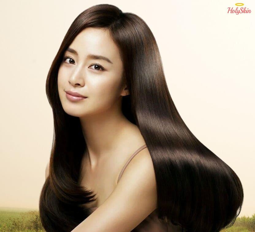 КОреянка с роскошными волосами